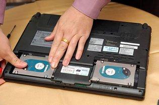 diy电脑双硬盘怎么组装?-请问电脑怎样安装双