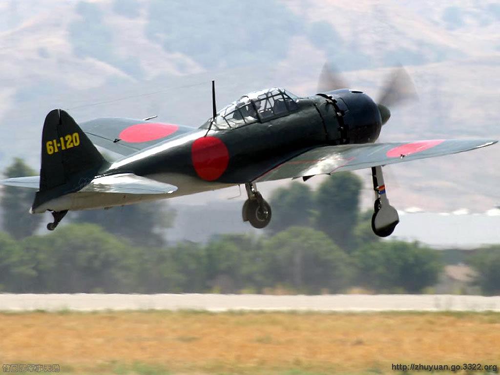 零式是日本飞机设计的重要里程碑,它实现了多个第一,如首次采用全封闭