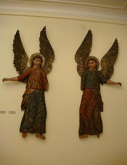 俄罗斯博物馆内的木头天使