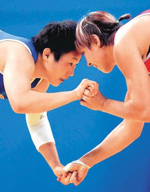 中国女子摔跤就这样从日本队手中抢得了这个项目