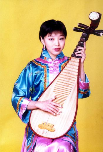 琵琶独奏《瑶族舞曲》视频