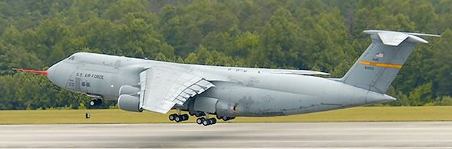 该rerp项目还包括改进c-5飞机的电子,燃油,液压,飞行控制和环境控制