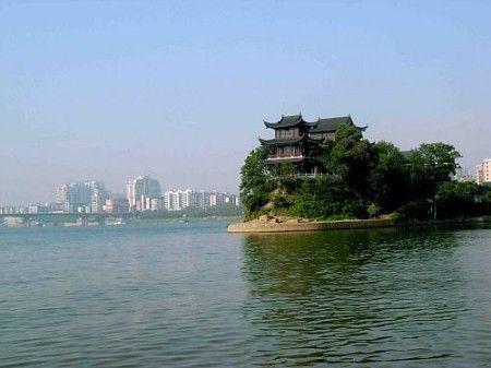 衡阳市为湖南省第二大城市,中心城区建成区面积120平方公里,中心