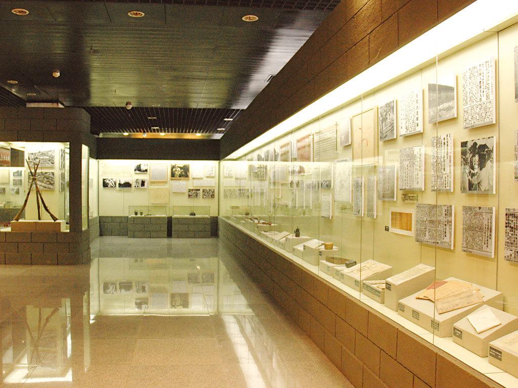 编辑本段展厅陈列   门头沟区博物馆四层《从历史