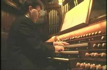 早期演奏管风琴通常需要两人搭档图片