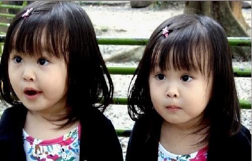 双胞胎可爱宝贝图片大全